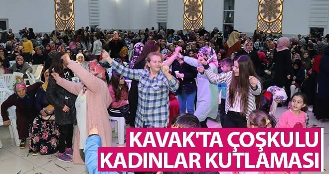 Kavak'ta Çoşkulu Kadınlar Kutlaması