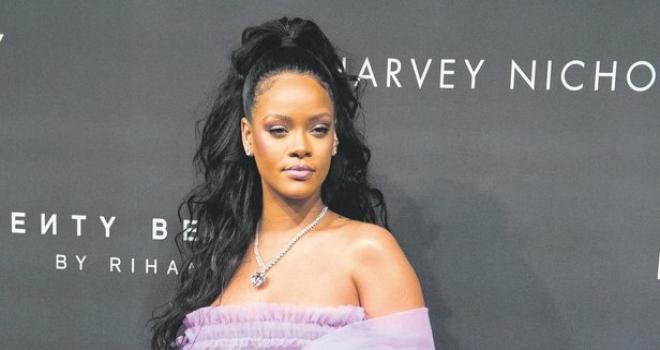 Rihanna'nın babası kızının konserine giden bir genç kızı taciz etti! Bir Türk popçu da Rihanna ile aynı kaderi yaşadı