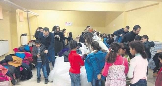Arda Turan'dan alkışlık hareket! Arda Turan, Doğu ve Güneydoğu'daki okullara bağış yaptı