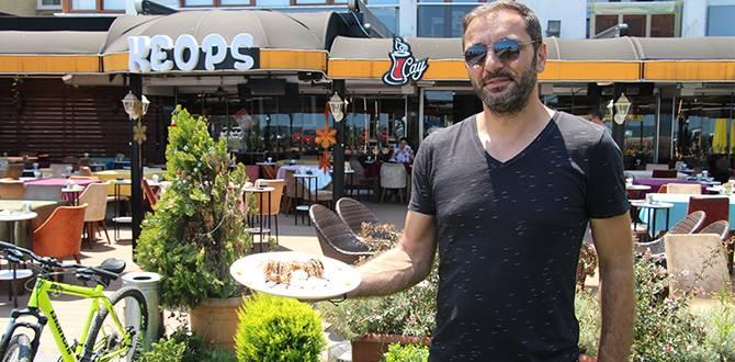 Keops Cafe'de Kadayıf Kaplı Kızarmış Dondurmaya Yoğun İlgi