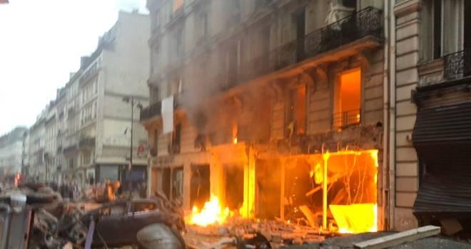 Fransa'nın başkenti Paris'te patlama