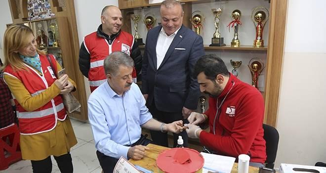 Başkan Deveci'den Kan Bağışı Çağrısı