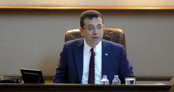 Ekrem İmamoğlu, İBB'nin Meclis Toplantısında İstiklal Marşı'nı Yanlış Okudu