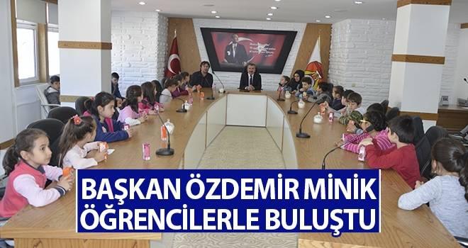 Başkan Özdemir Minik Öğrencilerle Buluştu