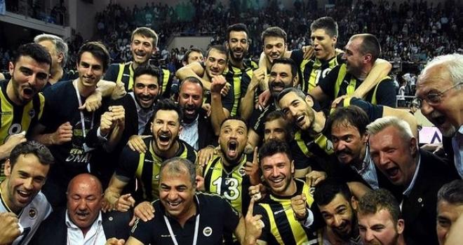 Voleybol Efeler Ligi'nde Arkas'ı yenen Fenerbahçe şampiyon!