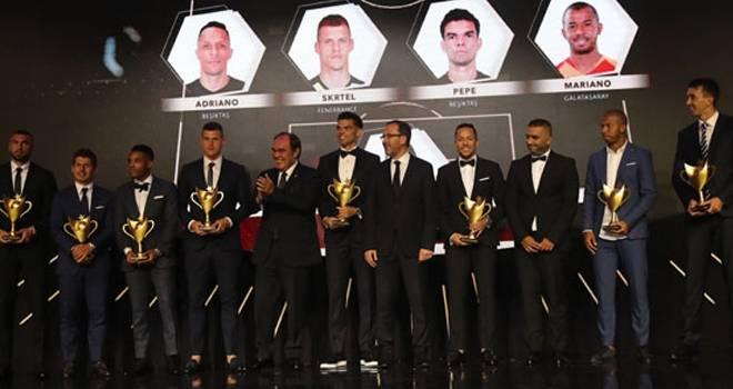 Futbolun Oscarları sahiplerini buldu!