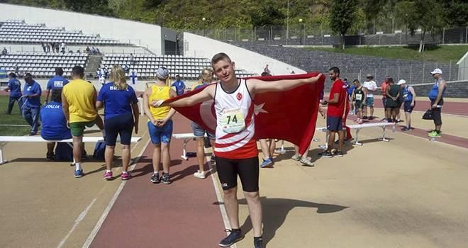 Canikli sporcudan dünya rekoru