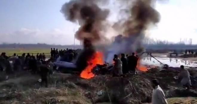 Pakistan duyurdu: 2 Hint savaş uçağını vurduk