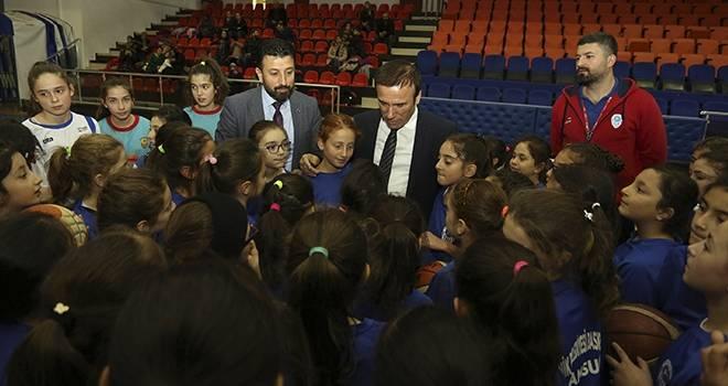 Başkan Genç: Gençler için yatırım yapıyoruz